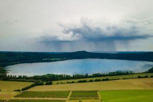 Laacher See: 10 Tipps für ein Wochenende am Vulkansee