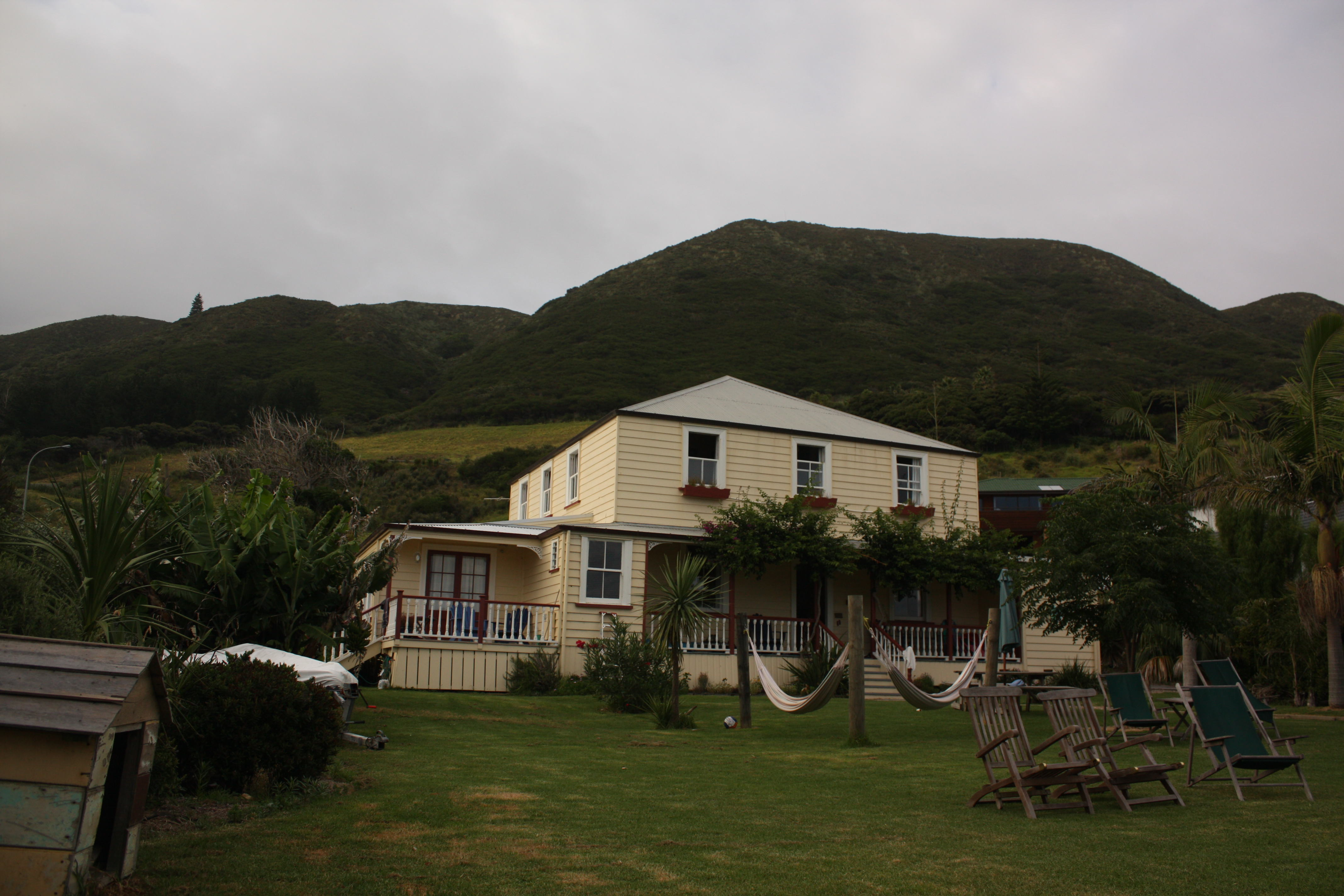 Ahipara Hostel: Endless Summer Lodge