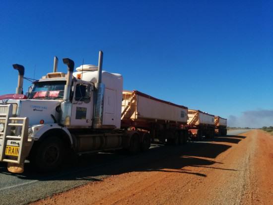 typisch Australien Roadtrain