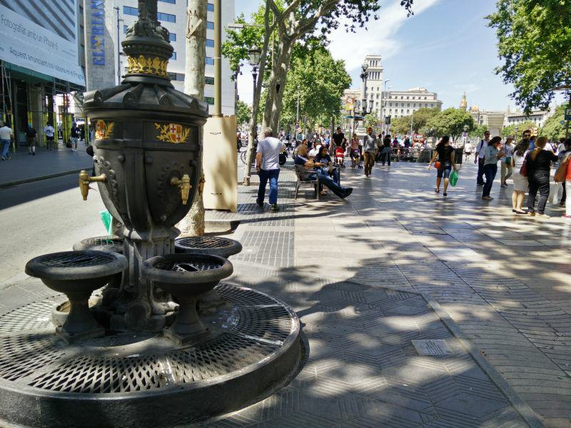 Barcelona La Rambla Brunnen Font de Canaletes