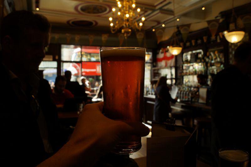 Pint im Pub