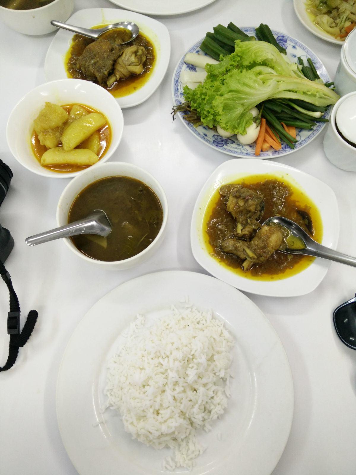 Yangon Myanmar burmesisches Essen