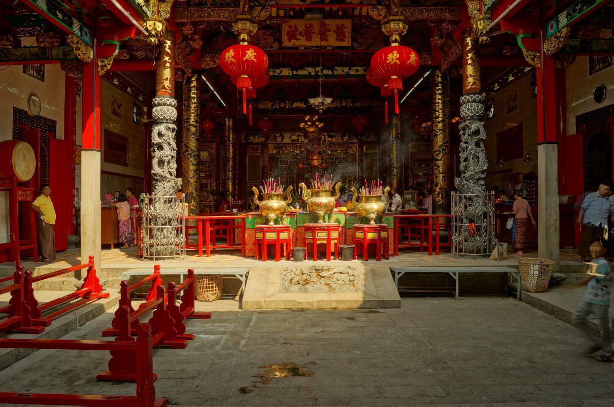 Alter Tempel in Chinatown in Yangon, Myanmar