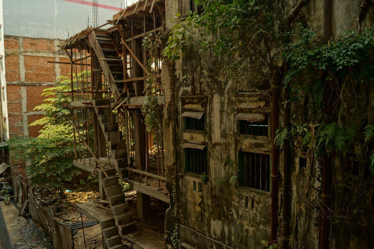 Blick in eine Gasse in Yangon Myanmar