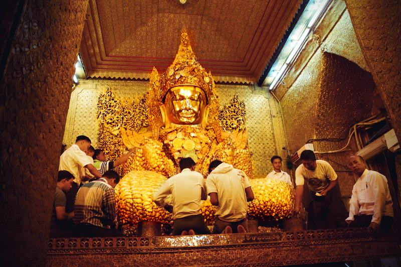 Mahamuni Buddha Statue in Mandalay