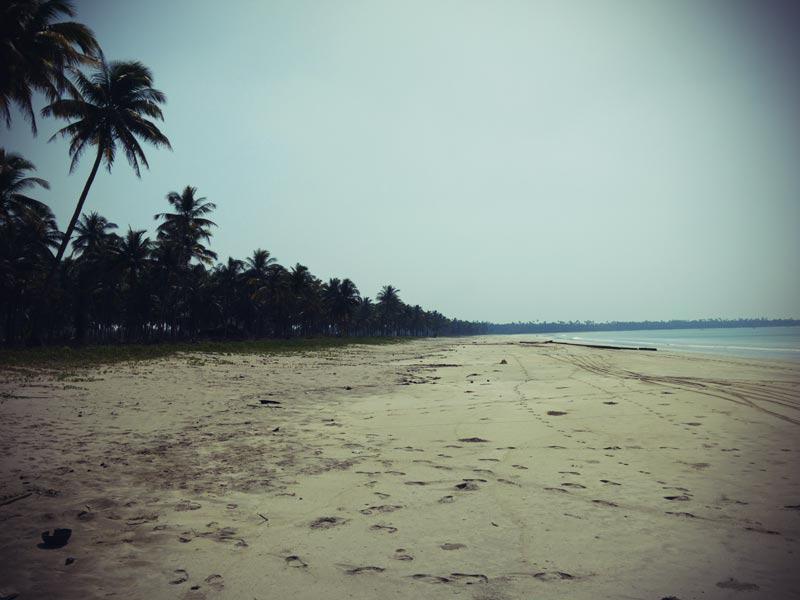 Strand bei Ngwesaung in Myanmar