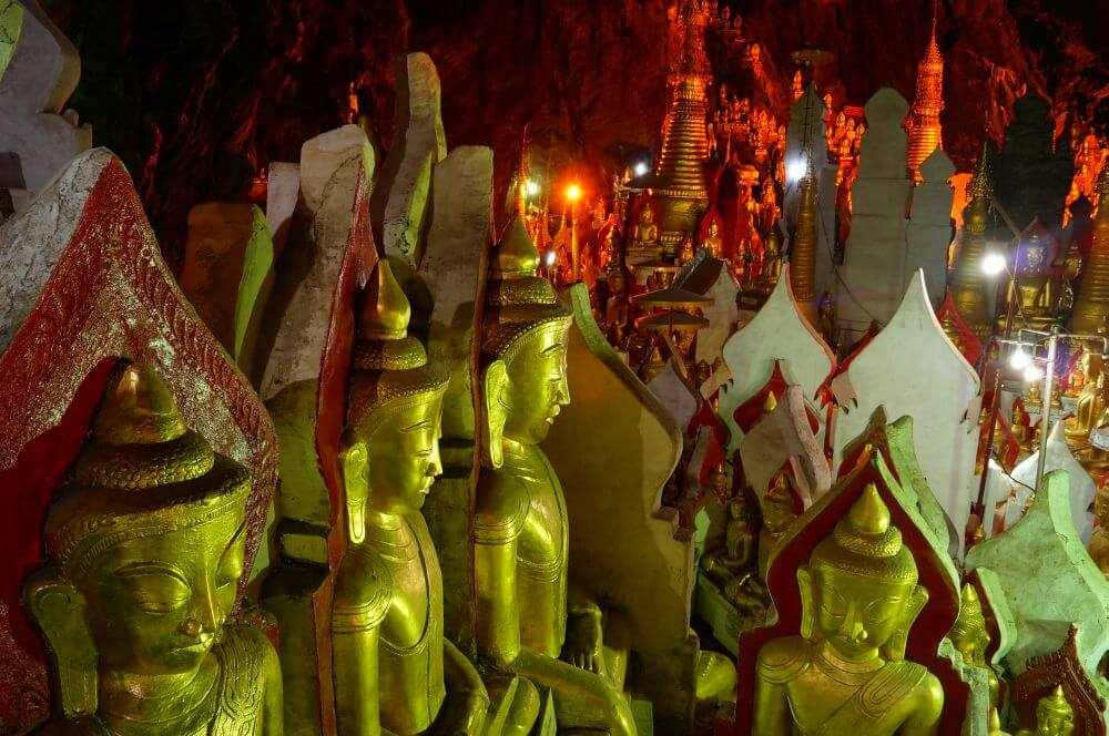 8000 Buddha-Statuen bei Pindaya nördlich vom Kalaw