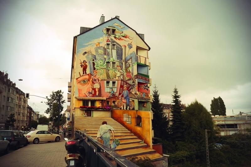 Ein bemaltes Haus: Streetart in Düsseldorf