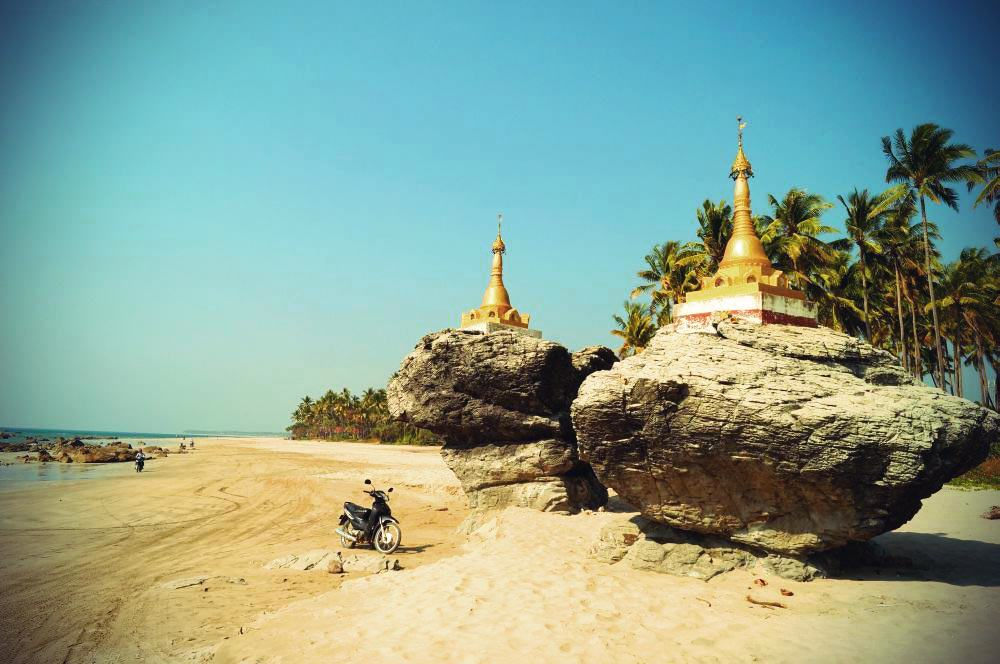 Ngwe Saung Beach Zwillingspagoden