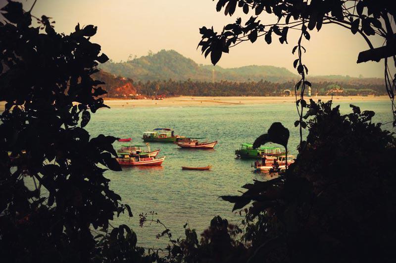 Blick von Lovers Island auf den Ngwe Saung Beach