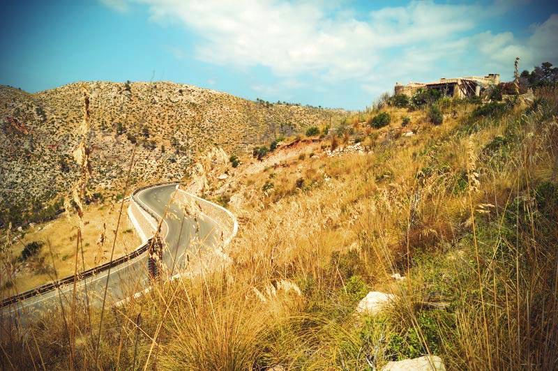 Landstraße durch die Serra de Tramuntana