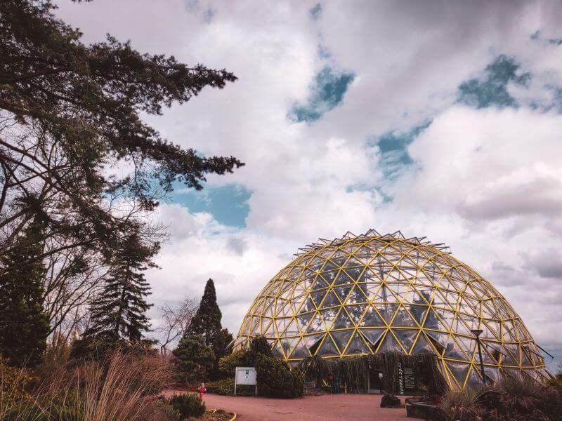 Round greenhouse botanical garden Düsseldorf
