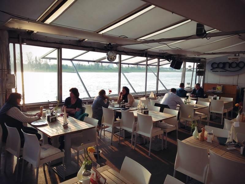 Canoo REstaurant am Rhein