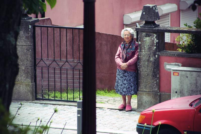 Porto Einheimische alte Dame
