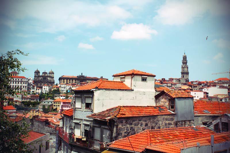 Die roten Dächer der Altstadt in Porto