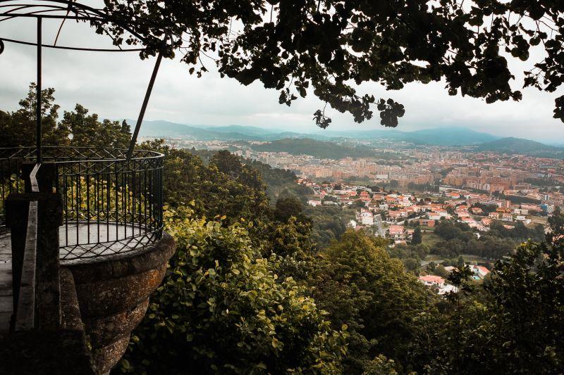 Blick über Braga am Jesus Bom de Monte