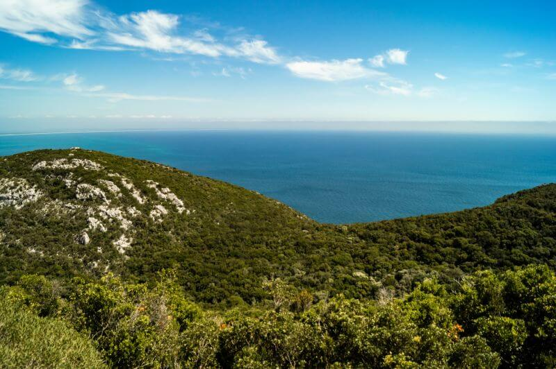 Blick auf die Küste vom Natrupark Arrabida