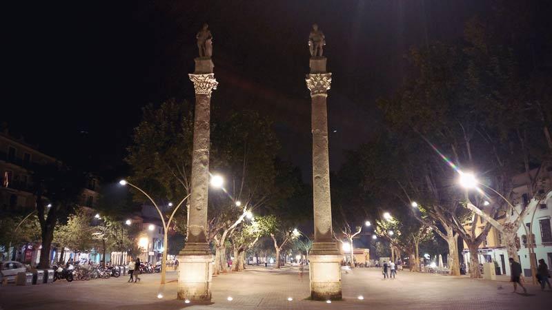 2 Säulen am Alameda de Hercules Sevilla
