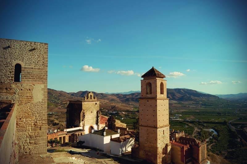 Iglesia de la Encarnación im Dorf Casares in Andalusien
