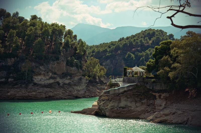 idyllische Landschaft beim embalse del conde de guadalhorce