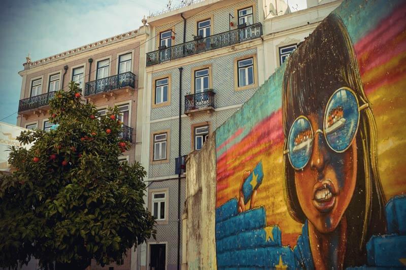 Grafitti in Mouraria in Lissabon