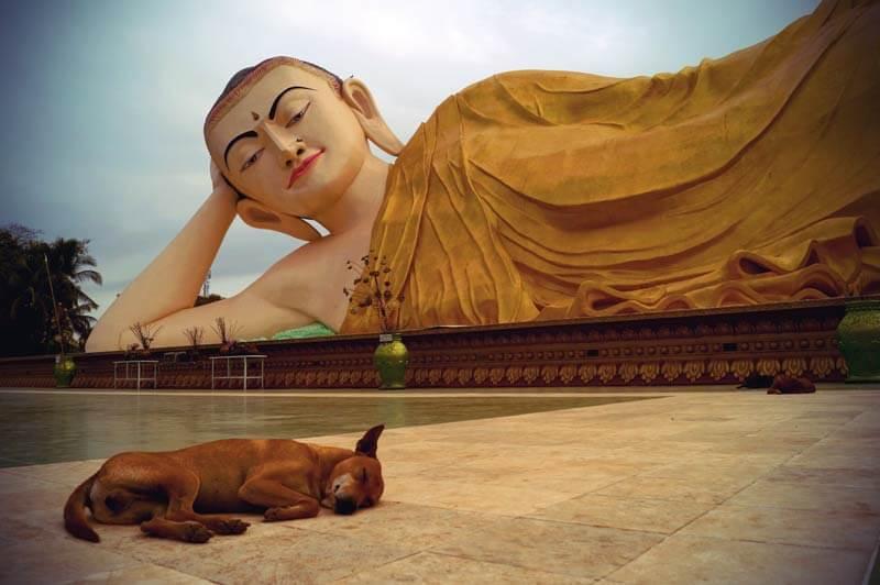 Liegender Buddha in Bago Myanmar