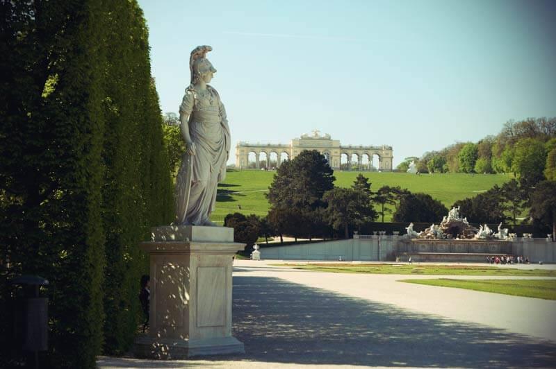 Die Gloriette im Schlosspark Schönbrunn