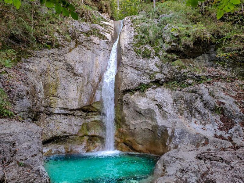 Königssee Sehenswürdigkeiten: Plateau am Königsbach Wasserfall