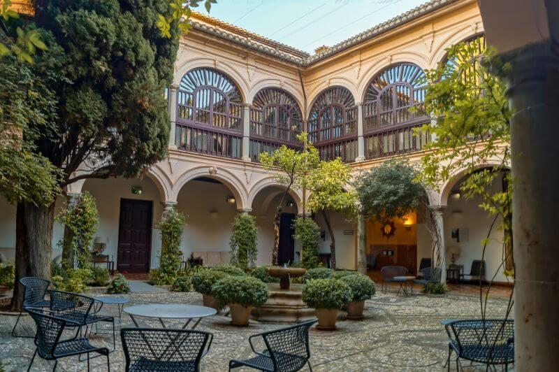 Hotel Parador de Granada Innenof
