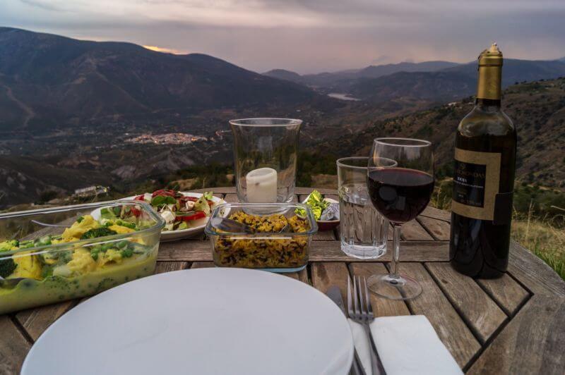 Romantisches Dinner mit Ausblick in der Cortijo Solera