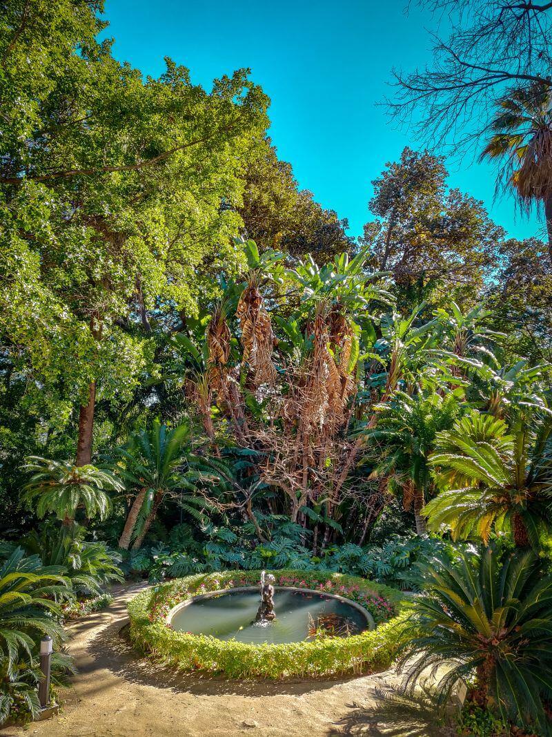 Málaga Tipps Brunnen im botanischen Garten