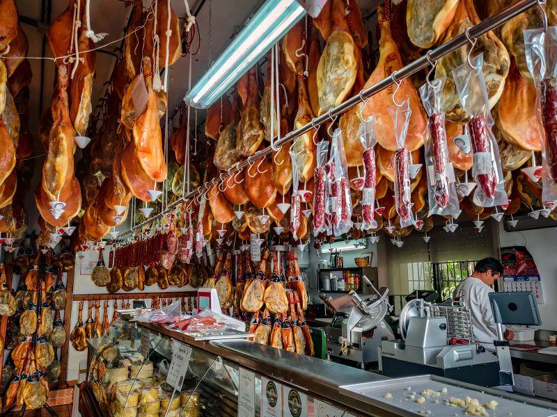 Schinken Verkauf Jamones Cano González in Trevelez