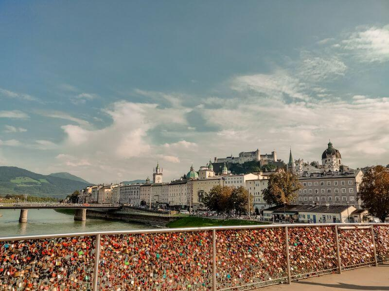 Die Love Lock Brücke in Salzburg