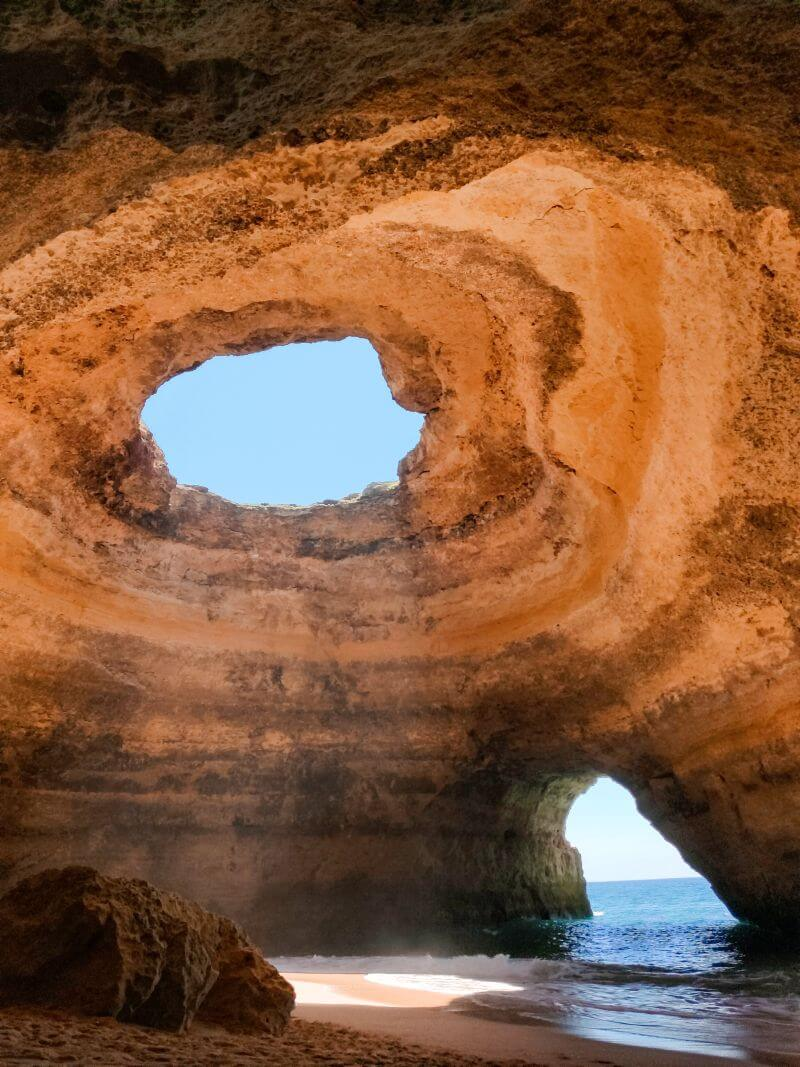 Benagil Höhle in der Algarve in Portugal