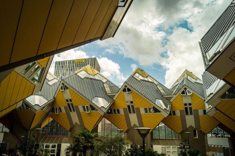 Gelbe Kubushäuser in Rotterdam.