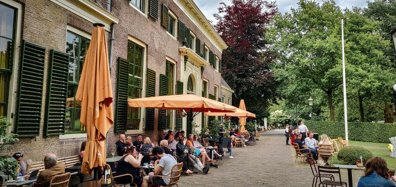Café im Het Park in Rotterdam