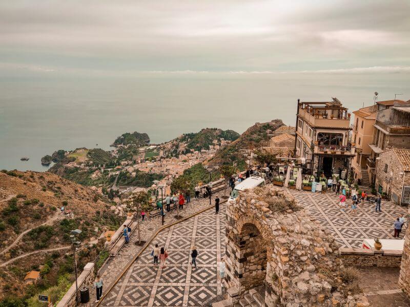 Sizilien Rundreise Blick von Castelmola auf die Küste