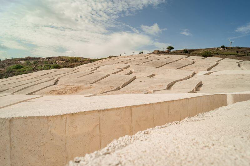 Das Labyrint von Gibbelina auf Sizilien