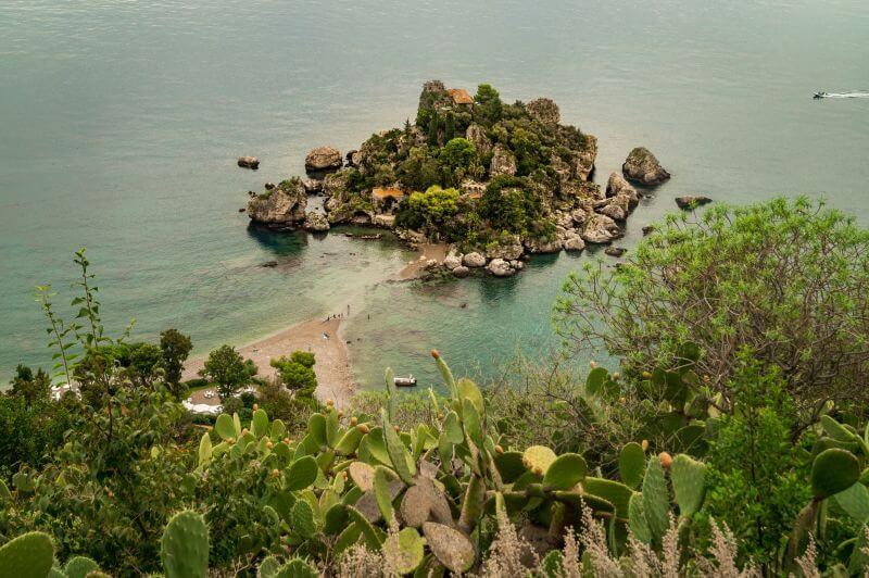 Sizilien Rundreise: Die Insel Isola Bella in Taormina