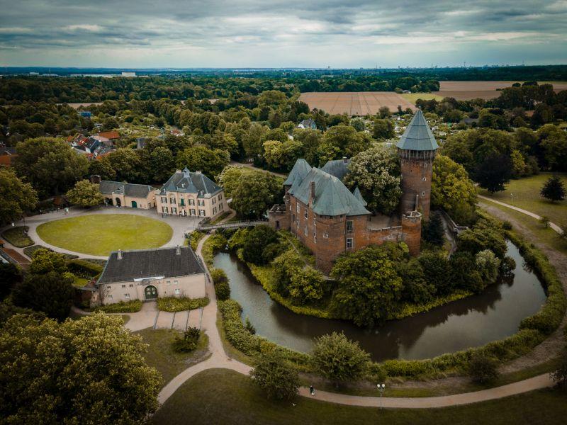 Museum Burg Linn aus der Vogelperspektive