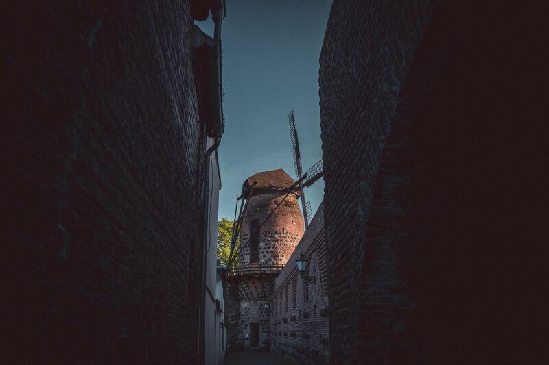 Ausflugsziele Düsseldorf: Die alte Windmühle von Zons