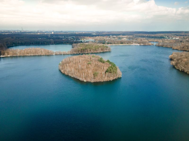 Insel in den 6 Seen in Duisburg
