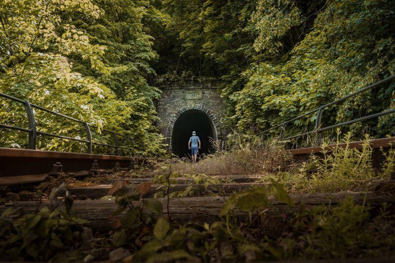 Ziegenrück Viadukt alte überwachsene Gleise