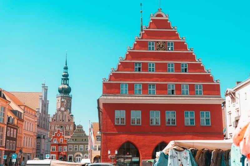 Rathaus und Dom St Nikolai in Greifswald