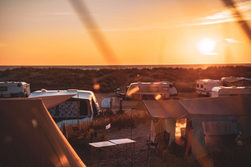 Sonnenaufgang am Regenbogencamp in Prerow