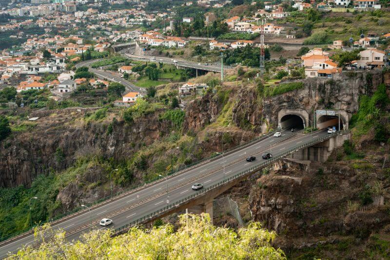 Tunnel Autobahn Madeira