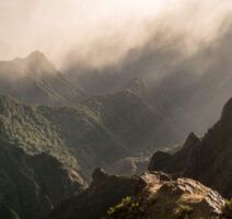 Madeira Berge mit Nebel