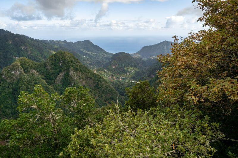 Der Blick auf die Küste vom Aussichtspunkt Balcones.