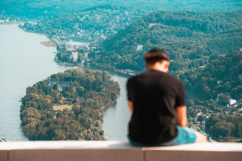 Drachenfelsen in NRW - Blick auf Rhein