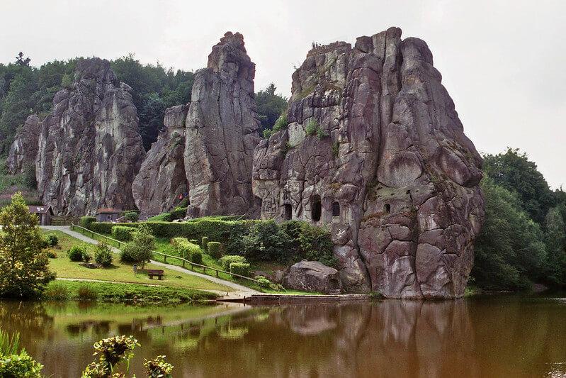 Externsteine Sandstein Felsformation im Teutoburger Wald